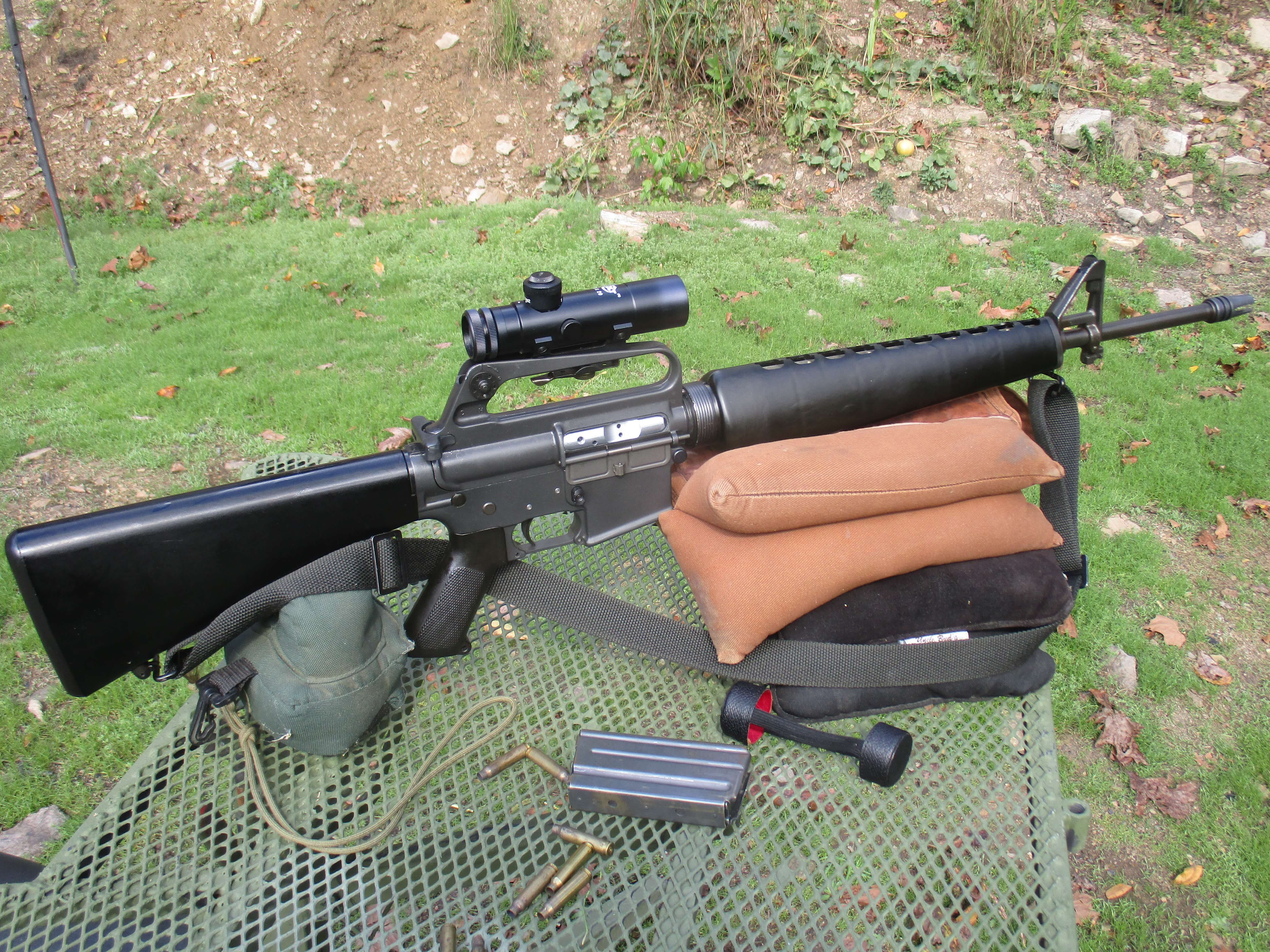 Bruce Piatt shot an AR at a time when optics options included the colt 3x.